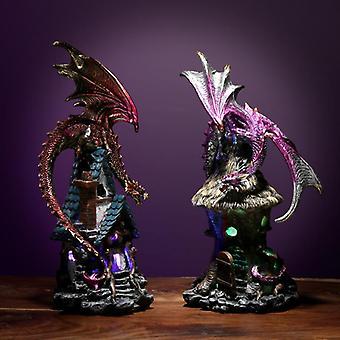 Decoratieve donkere legendes bosgeest geleide draak