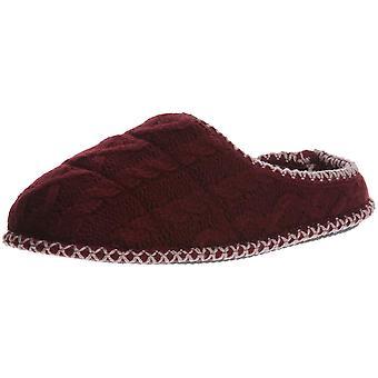 Dearfoams Womens Quilted Cable Closed Toe Slip On Slippers