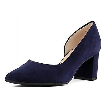 Peter Kaiser Naimi Court Shoe In Notte Suede