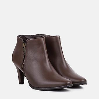 Cleo brown leather kitten heel boot