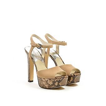 Trish sandaali