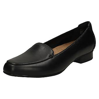 Ladies Clarks Loafers Keesha Luca