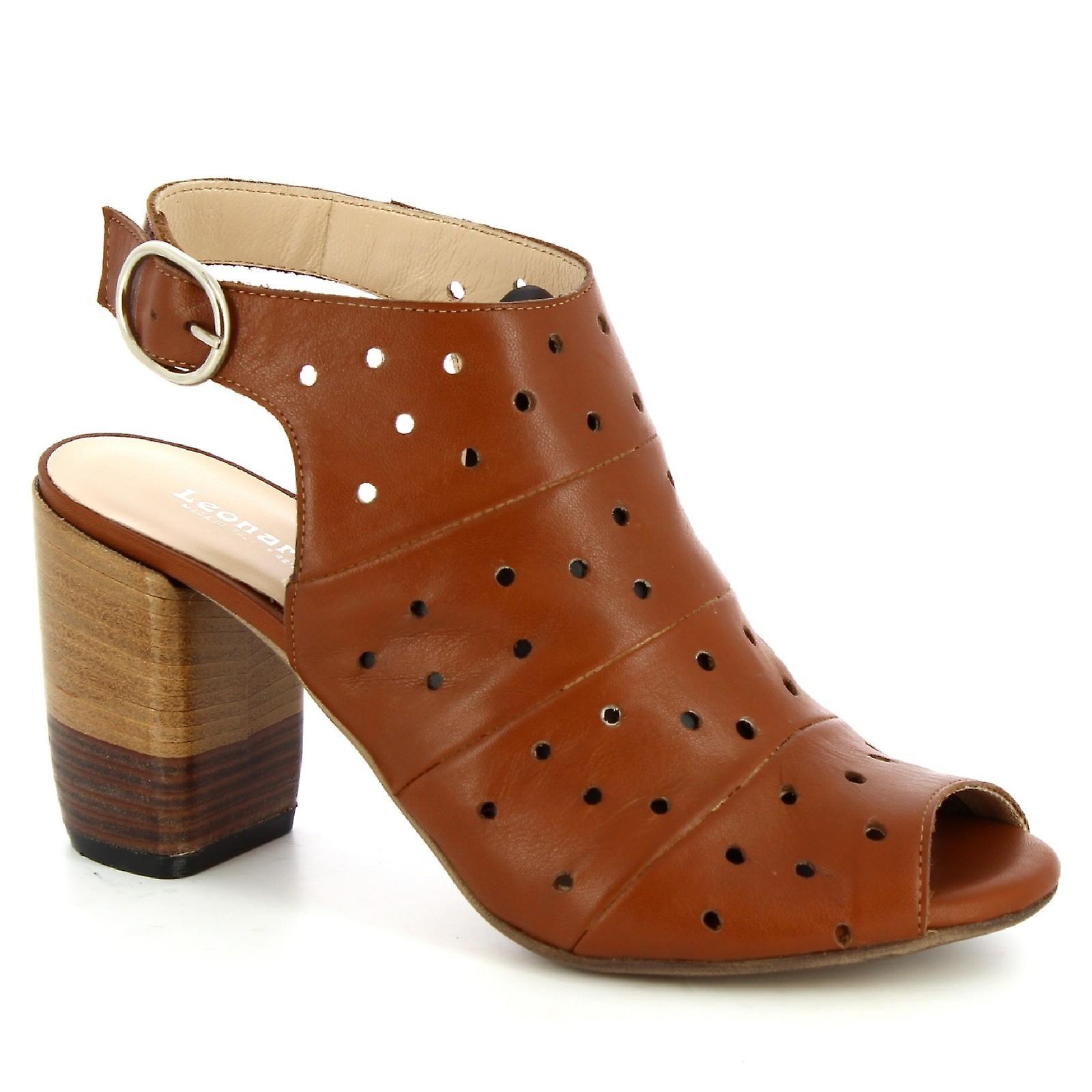 Leonardo Shoes Women's handmade heeled sandals in tan openwork calf leather 3nfux