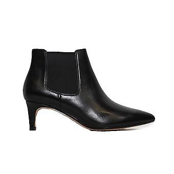 クラークス ライナ 55 ブーツ 2 ブラック レザー 女性 ヒール チェルシー ブーツ