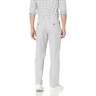 Essentials Men's Pantalón Chino Plisado Resistente a arrugas classic-fit, gris claro, 42W x 30L
