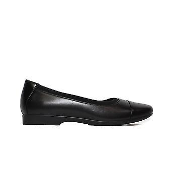 קלארקים Un Darcey כובע 2 שחור עור נשים להחליק על נעלי בלט משאבה