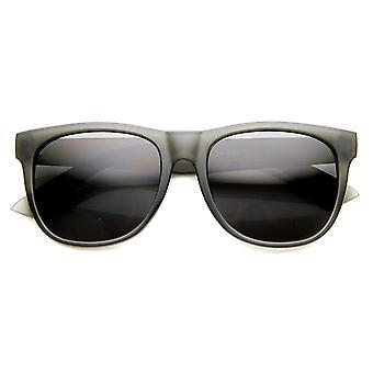 Designer geïnspireerde basisvorm Super hoorn omrande zonnebril