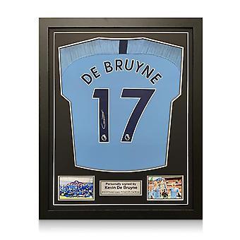 Kevin De Bruyne a signé le maillot de Manchester City 2018-19. encadré