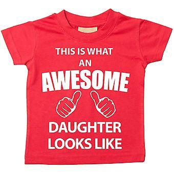 これは何の素晴らしい娘に見えるような赤 t シャツです。