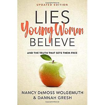 Les jeunes femmes se trouve croire