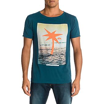 Quiksilver Waiting For Swell Roadie Short Sleeve T-Shirt in Washed Navy