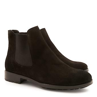 Handmade chelsea boots in suede leather for women