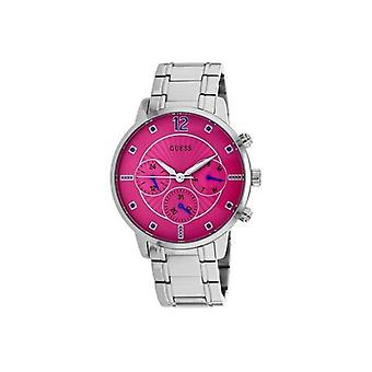 Shows woman Guess W0941L3 (42 mm)