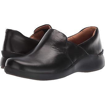 كلاركس المرأة & apos أحذية الأمم المتحدة حلقة 2 المتسكعون احذية مغلقة