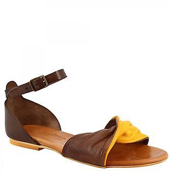 Leonardo Shoes Femmes's sandales plates faites à la main en cuir de chèvre jaune brun foncé avec bracelet de cheville