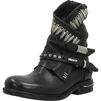 Comme 98 Booties 516230 Color Nero