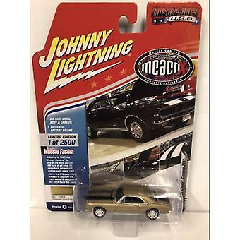 1967 Chevy Camaro Z28 Granada Gold 1:64 Johnny Lightning JLMC016B
