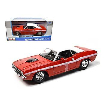 1970 Dodge Challenger R/T Coupe Red 1/24 Diecast Modellauto von Maisto