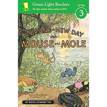 BrandNew Day With Mouse and Mole Green Light Readers Level 3-kehittäjä: Wong Herbert Yee
