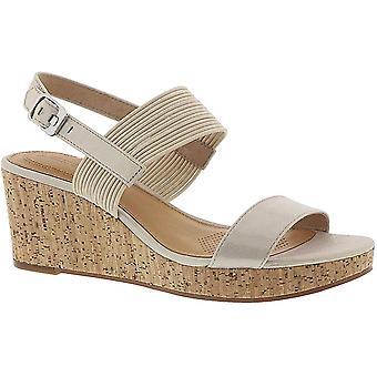 Corso Como Fantazie Women's Sandal 9 B(M) US Ivory