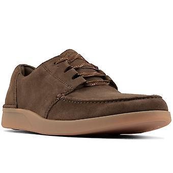 كلاركس أوكلاند المشي رجال الأحذية عارضة