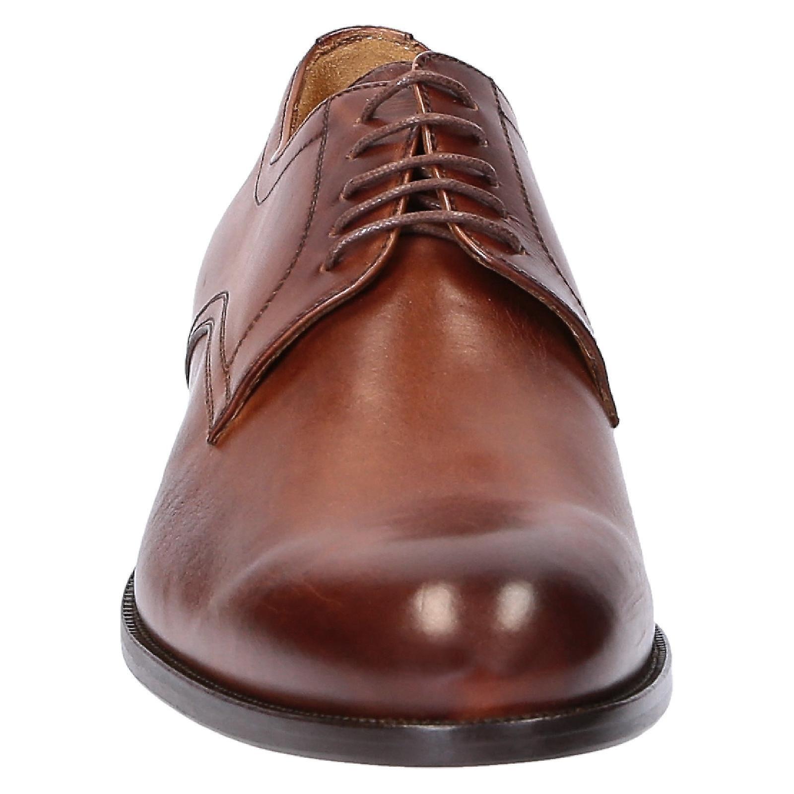 Wot de la main derby chaussures en cuir de couleur