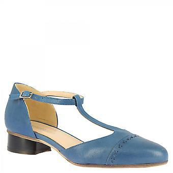 Leonardo Shoes Women&s ręcznie robione pompy t-strap na niskim obcasie jasnoniebieska skóra cielęca