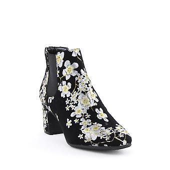 Anne Klein | Gorgia Embroidered Ankle Booties