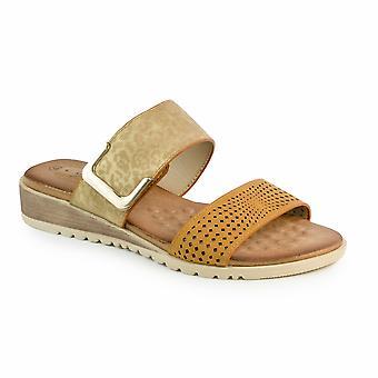 Slip Cassie lunare sul sandalo