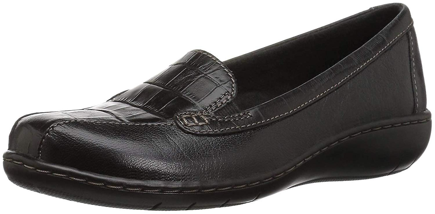 Clarks Womens Bayou Leather Closed Toe Loafers