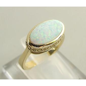 14 carat yellow gold ring with opal