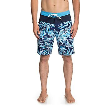 Quiksilver Highline Drained Out 19 Mid Length Boardshorts in ELECTRICROYAL