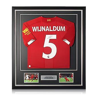 Georginio Wijnaldum allekirjoitti Liverpool-paidan. Deluxe-kehys