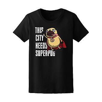 Denne by har brug Super Pug Tee kvinders-billede af Shutterstock