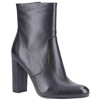 ستيف مادن محرر السيدات الجلود الكاحل أحذية الأسود