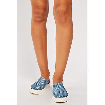 Niebieskie teksturowane buty platformowe