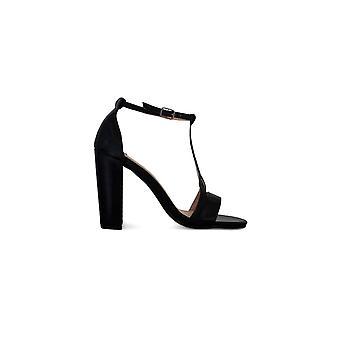 Sandálias de salto largo das mulheres