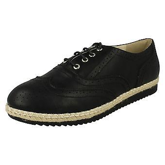 Punto de las señoras zapatos de estilo Brogue