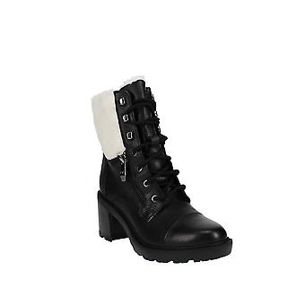 | Marc Fisher Botas Lansly Lace-Up