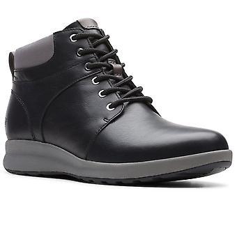 كلاركس أون تزين المشي المرأة واسعة تناسب أحذية الكاحل الدانتيل