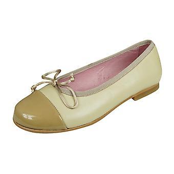 Angela Brown Olivia Småbarn Flickor Läder Ballerina Skor Pumpar - Beige