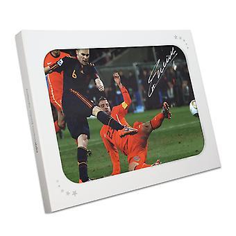 Andres Iniesta podpisał kontrakt z Hiszpanią Foto: Zdobywca Pucharu Świata. W pudełku na prezenty