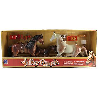 Valley Ranch 3 paard assortiment (bruine en witte) met omheining en accessoires
