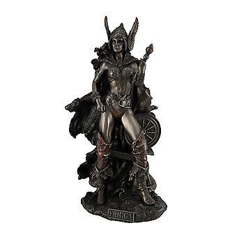 Frigga nordischen Göttin der Liebe Ehe und Schicksal steht in der Nähe von Spindel-Statue