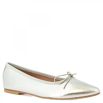 Leonardo Shoes Women's handmade pointy slip on ballet flats prata napa couro