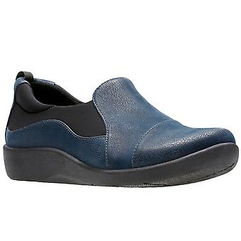 كلاركس سيليان باز النساء واسعة عارضة الأحذية