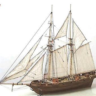Käsintehty puinen puupurjevenealusmallikokoonpano
