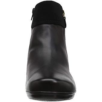 تويست امسليي موضة الحذاء كلاركس المرأة