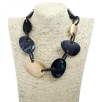 Lucite Turtle Shell Irregular Shaped And Circle Chain Pendant Necklace