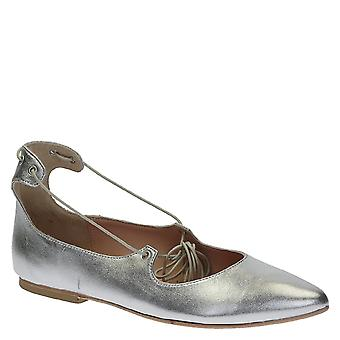 Lace up ballerinas in laminated silver soft leather